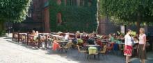 Hälften av kommunerna missar krav om tillgänglighet på uteserveringar