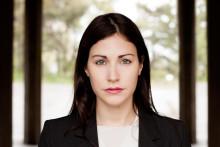 Nour El Refai klar som konferencier för Moriska Paviljongens julshow