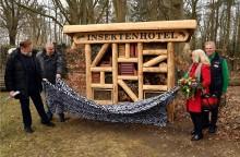 """LOTTO MV und Zoo """"eröffnen"""" ein Hotel für Insekten"""