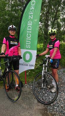 De cyklar genom Sverige för att uppmärksamma Suicide Zero
