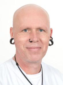 Ronnie Ask på Venhälsan tilldelas Red Ribbons hedersutmärkelse av Hiv-Sverige