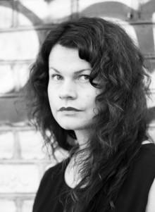 MÅNADENS FORMGIVARE: ASTRID LINNÉA ANDERSSON