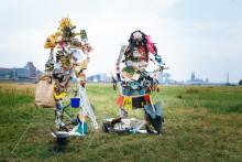 Pernod Ricard Deutschland in nachhaltiger Mission unterwegs – Mitarbeiter errichten Skulpturen aus Müll anlässlich des Umwelttages