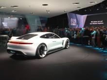 Blogg: Tror bilindustrin på elbilar?