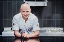 Karl Ljung  tillreder den fantastiska 3-rätters menyn som ska ätas av Sveriges idrottselit