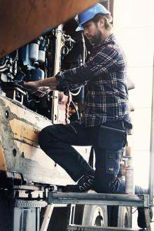Stort slarv med skyddsutrustning bland svenska hantverkare – sex av tio drabbade av skador i jobbet