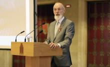 """Cornelsen-Autor ist """"Botschafter für Alphabetisierung"""" - Peter Hubertus für sein Lebenswerk vom Bundesverband Alphabetisierung e.V. geehrt"""