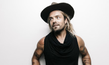 Xavier Rudd surfer VEGA ind i indie-folkens solnedgang