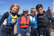 Angereds ungdomar seglar ikapp