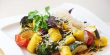 Är du på jakt efter nya middagsidéer och recept i dessa tider när du kanske är mer hemma än valigt? Prova att laga mat med ånga.