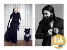 Emilia de Poret & Alexander Östlund väljer hoppfulla julklappar för MQ i kampen mot barncancer
