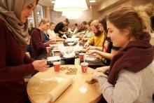 Cookie-baking for påskestemning - og mot hjemlengsel