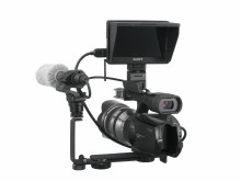 Clip-on LCD monitor from Sony for HD video shooting with Interchangeable Lens Digital cameras