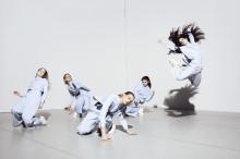 KAXIGT DANCE CREW UTMANAR DE SOCIALA KODERNA