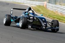 Häftiga dueller att se fram emot i Formel Renault på Solvalla