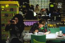 Slöjd, makers och guerilla-konst är samma sak - Intervju med  Friederike Roedenbeck, Nämnden  För Hemslöjdsfrågor