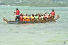 Kinesiske dragebåde indtager Tobagos bedste strand