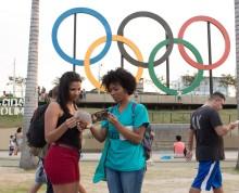 En kamp utanför de Olympiska arenorna.