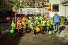 Baklängesmarsch på Barnsäkerhetens Dag 2016
