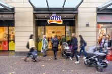 Positive Entwicklung bei dm-drogerie markt im Geschäftsjahr 2018/2019