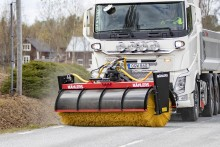 Mählers lanserar kraftfull sopvals för lastbil och hjullastare
