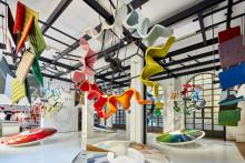 Dämpat men färgstarkt på Salone Del Mobile i Milano