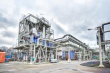 AkzoNobel und Evonik nehmen Membranelektrolyse in Betrieb