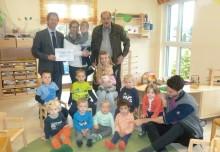 Bayernwerk spendet für Kindergarten St. Jakob Haselbach