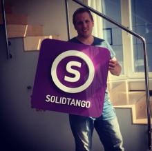 Solidtango flörtar med utvecklarna