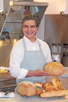 Godalming stroke survivor invites people to Give a Hand and Bake for the Stroke Association