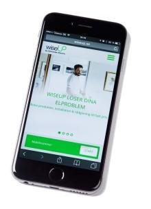 Boka enkelt online: Professionell elektriker installerar till fast pris!