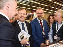 European Commission visits 'Graphene Pavilion' at Mobile World Congress 2019