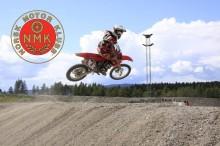 Norsk Motor Klubb og Kjør for livet skal få flere ungdommer inn i det organiserte motorsportmiljøet