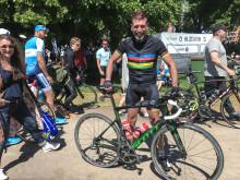 Följ profilerna live från cykeln