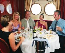 Nyt fantastisk mat og herlig vin – til havs