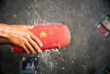 JBL lanserar JBL Xtreme - en vattentålig och trådlös högtalare