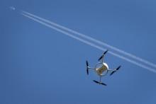 Oppfordrer til varsomhet med droner