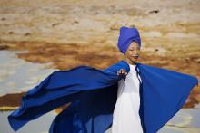 Albumaktuella Fatoumata Diawara gästar Stora Teatern