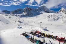 """Mach Deine """"First Line"""": Mit SportScheck auf dem Stubaier Gletscher den Winter 2018 starten."""