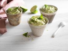 Okinordisk nice cream med gröna ärtor och mynta