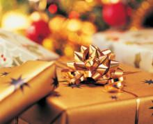 Hälften av svenskarna har råd att betala julklapparna med lönen