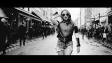 """KYLIE feirer 25 år som plateartist; slipper ny låt """"Timebomb"""" 25. mai!"""