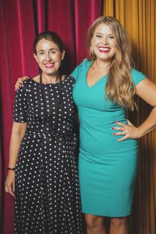 Jessica Frej skriver världskontrakt  för tre böcker med HarperCollins