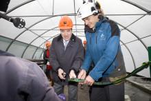 Nya algbassänger på Dåva i Umeå invigdes av partiledare Stefan Löfven