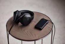 Ζήστε την ατμόσφαιρα ενός live μουσικού event με τα κορυφαία ακουστικά MDR-Z7M2 από τη Sony