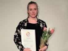 """Lina Törnblom (Skogås, Huddinge) får hedersomnämnandet """"Årets Grundskolefavorit"""" för sina insatser inom skola"""