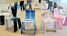 Elever skapar unika stolar i ett samarbete mellan skola och näringsliv