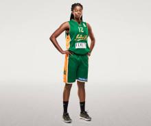 Kanadensisk center spelklar för Alvik Basket