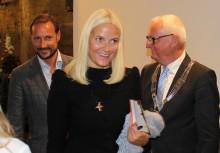Kronprinsparet åpnet Nasjonalt Vitensenter for styrkebasert læring hos Arbeidsinstituttet i Buskeurd