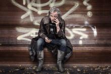 Stefan Sundström åker på domedagspredikan med nytt album
